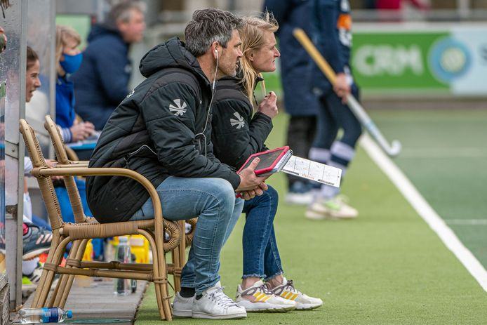 Jisse Waasdorp met naast hem zijn assistent Marieke Dijkstra.