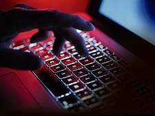 Forse boetes voor online beledigen agenten en boa's