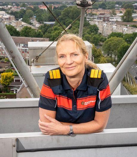 Haagse brandweercommandant Esther Lieben uitgeroepen tot overheidsmanager van het jaar