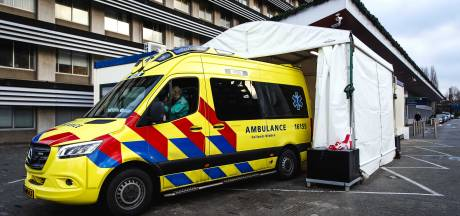 Twee doden en twee gewonden op boot in Bolsward, mogelijk door koolmonoxidevergiftiging