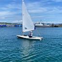 Emma Plasschaert op het water voor de Olympische Spelen in Tokio.