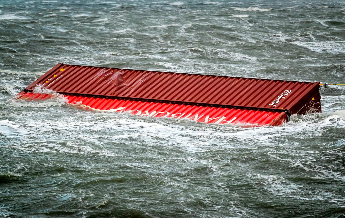 Een overboord geslagen container van de MSC Zoe.