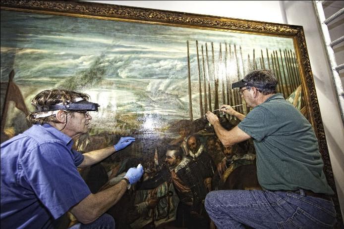 Monnikenwerk om beroemd schilderij las lanzas schoon te maken breda - Witte salontafel thuisbasis van de wereldberoemde ...