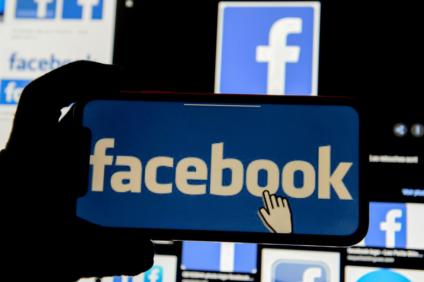 Facebook is in de VS bezig met een test om gebruikers een pop-up te tonen met de vraag of ze bezorgd zijn dat een vriend extremist wordt.