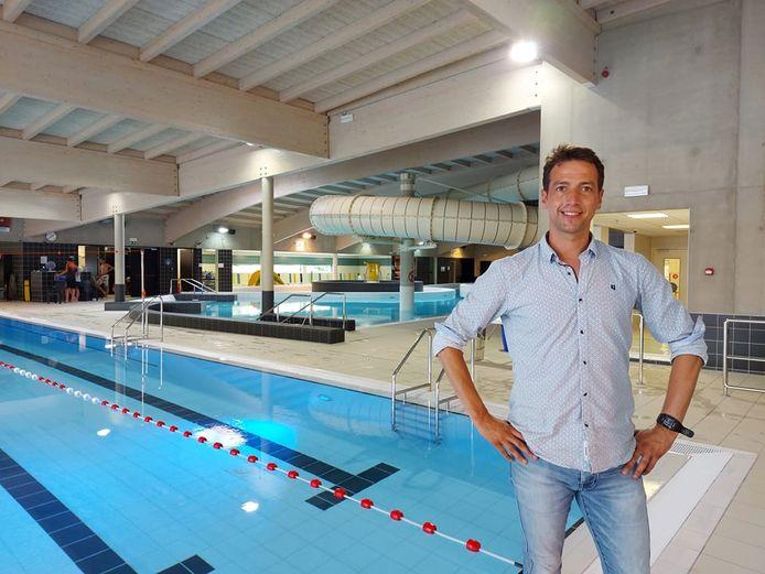 Schepen van Sport Klaas Verbeke in het Sport- en Recreatiebad De Kouter in Poperinge.