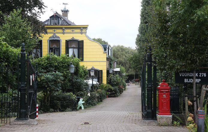 Voormalig spermakliniek Medisch Centrum Blijdorp te Barendrecht van eigenaar Jan Karbaat.