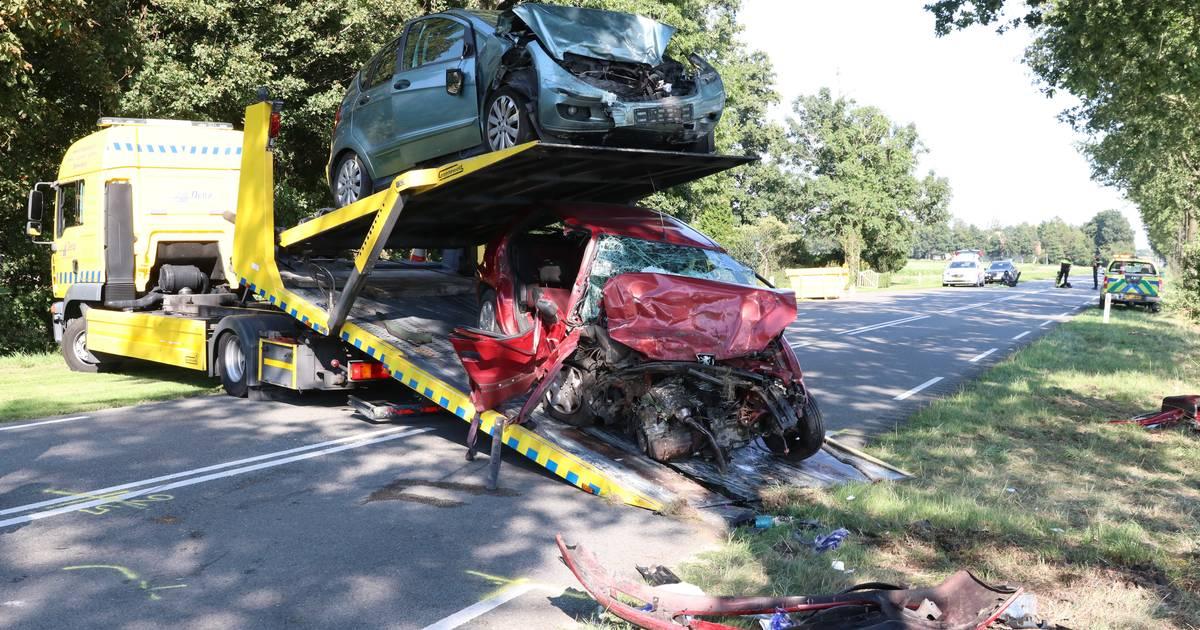 3 gewonden bij ernstig ongeluk tussen Nagele en Ens: verkeer moet opnieuw omrijden.