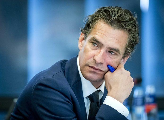 Bas van 't Wout, demissionair minister van Economische Zaken en Klimaat, tijdens het wetgevingsoverleg over de inzet van testbewijzen bij de bestrijding van het coronavirus.