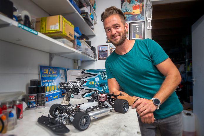 John Ermen uit Sint Willebrord is Nederlands kampioen RC Racing en coacht deelnemers in het nieuwe tv programma Car Wars.