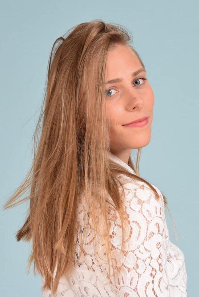 Yana Maas uit Brugge gaat voor het kroontje van Miss West-Vlaanderen.
