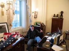 """Les assaillants du Capitole ont-ils pu consulter des documents """"sensibles"""" ou secrets?"""