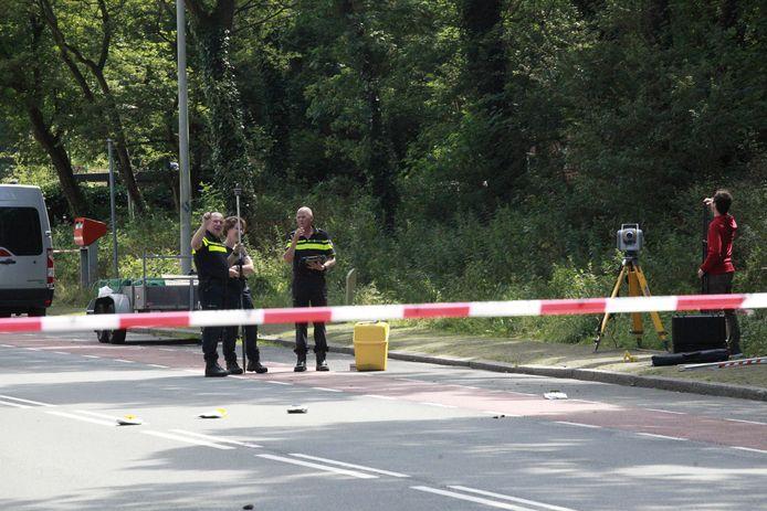 Politie onderzoekt opnieuw de plek waar het lichaam van Renée gevonden werd.