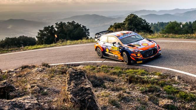 Thierry Neuville steekt zege op zak in rally van Spanje
