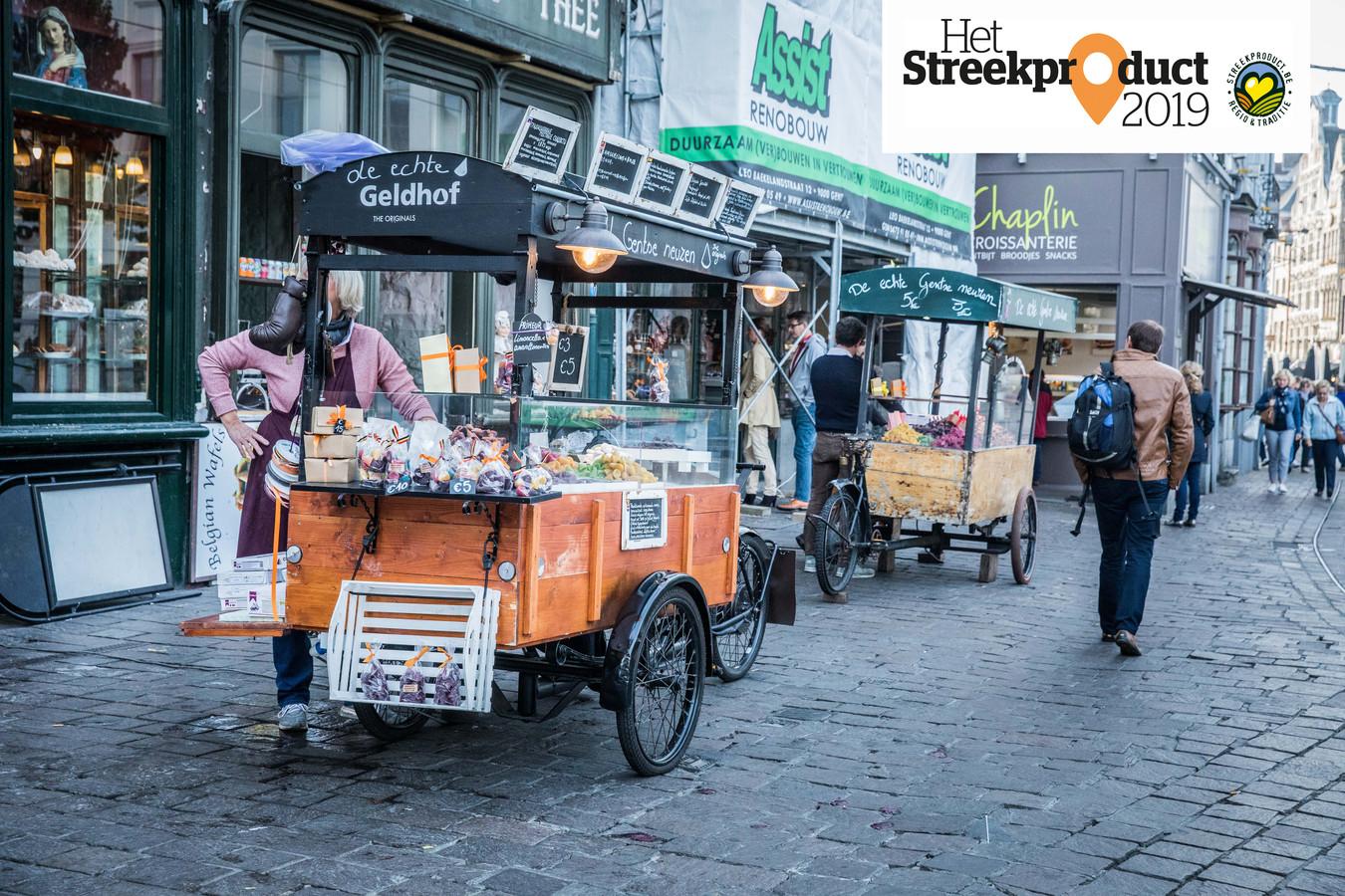 De neuzekesverkopers op de Groentenmarkt. Illustratiebeeld.