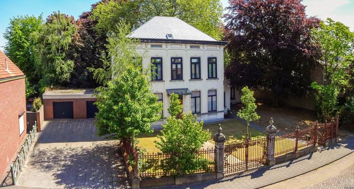 Het pand aan de Kerkstraat in Oud Gastel heeft een eigenaar nodig die het kan opknappen en een functionele rol kan geven.