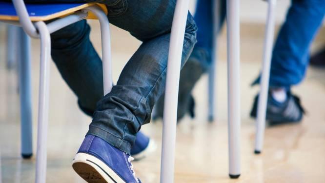 """""""We zijn uitgepuzzeld"""", leerlingen krijgen tot 18 uur studie per week door lerarentekort"""