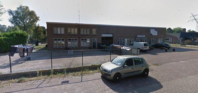 Het bedrijfspand aan de Industrieweg in Hattem waar eind augustus een illegaal feest was, waarbij veel coronamaatregelen werden overtreden.