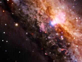 Zwarte gaten kunnen geboorte van nieuwe sterren voorkomen