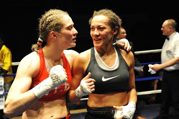 12 januari 2013: Delfine Persoon verdedigt met succes haar WIBF-wereldtitel tegen de Italiaanse Anita Torti. Beeld dm