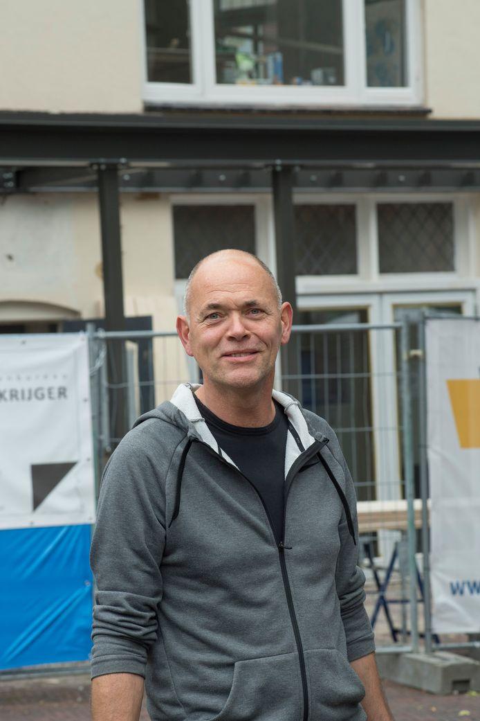 Jacko van den Bergh in de Tielse binnenstad.