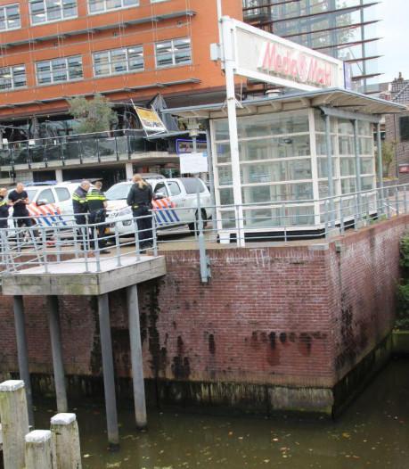 Politie dregt naar bewijsmateriaal nadat agent in Zwolle klappen krijgt