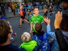 De marathon is terug en euforie gonst door de straten van Rotterdam: 'Kijk, ik leef nog!'