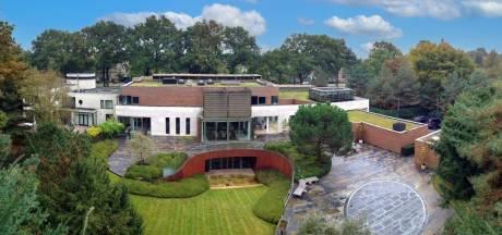 Nieuwsoverzicht | 92 namen voor Paaspop in september - James Bond-achtige villa te koop voor 11 miljoen