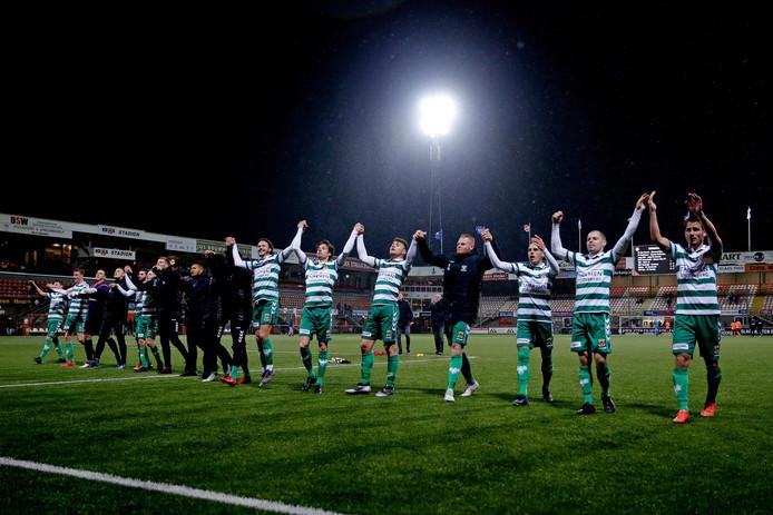 Go Ahead Eagles viert een feestje in Volendam na de 0-1 zege op FC Volendam