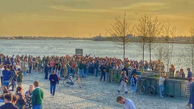 Politie legt bijeenkomst van jongeren op Scheldekaaien stil: één arrestatie en vijf muziekboxen in beslag genomen