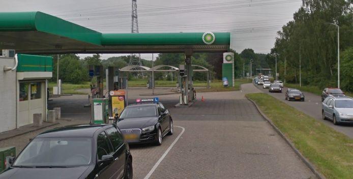 Het BP-tankstation aan de Eisenhowerlaan / N270, de weg tussen Helmond en Eindhoven.