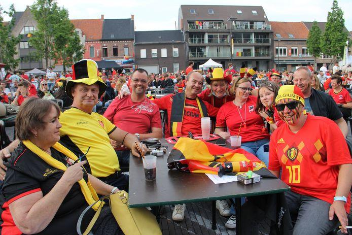 Het Marktplein van Ingelmunster liep vol voor de match van de Rode Duivels tegen Italië
