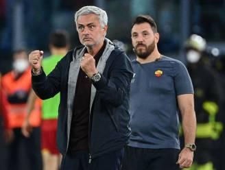 Naar tribune verwezen? Dat houdt José Mourinho niet tegen...