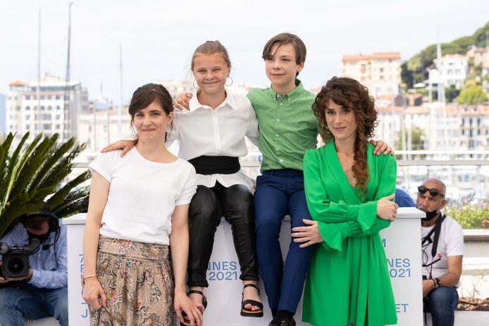 Laura Verlinden, Maya Vanderbeke, Günter Duret, Laura Wandel au photocall du film Un Monde