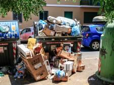 Rome verandert in vuilstort, sommige stoepen simpelweg onbegaanbaar