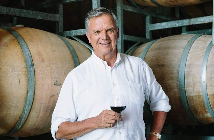 Joep Van Almenkerk is aan corona overleden in Zuid-Afrika, waar hij een wijndomein had.