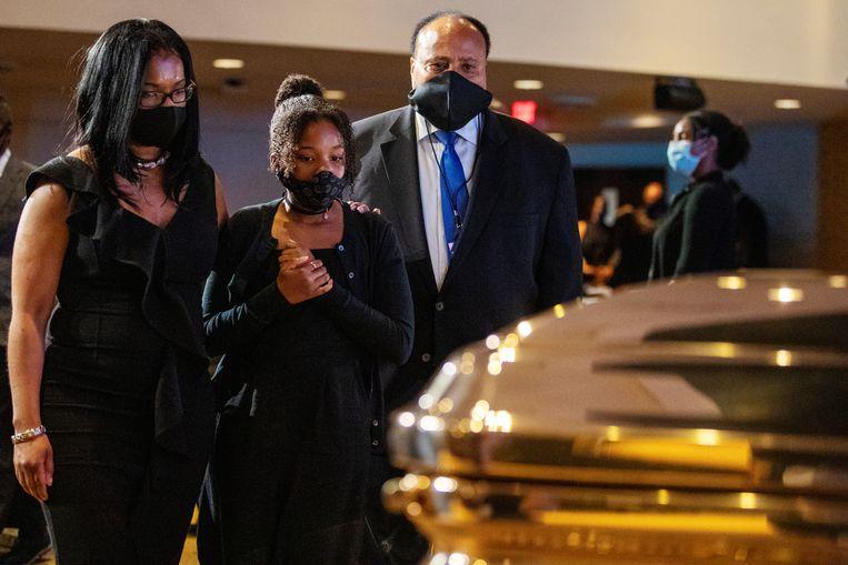 Martin Luther King III betuigt zijn respect voor George Floyd in Minneapolis. Beeld REUTERS