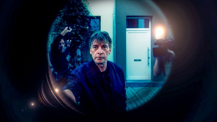 VTM-gezicht Luk Alloo strijkt elke donderdagavond ergens live neer. Dit keer is de Gentse Overpoort aan de beurt.