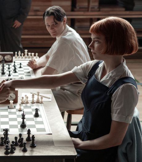 Waarom de Netflixserie The Queen's Gambit zo'n enorm succes is