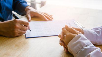 Waarom je nooit blindelings een arbeidsovereenkomst mag tekenen