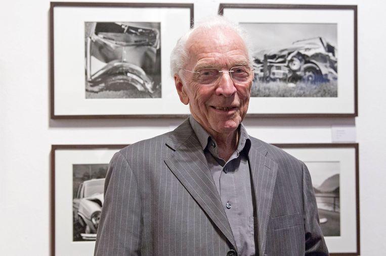 Arnold Odermatt op zijn negentigste verjaardag in Berlijn, poserend voor zijn eigen werk. Beeld Hollandse Hoogte