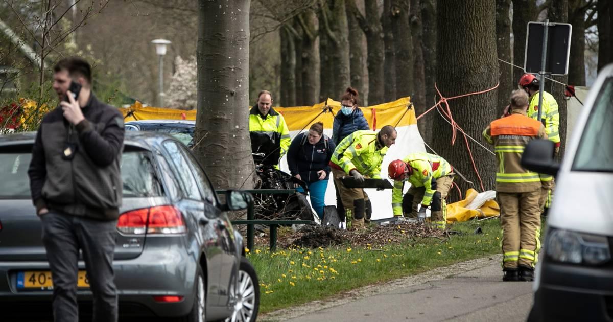 Dodelijk ongeluk in Hengelo; vlakbij het ongeluk raakte vrouw even daarvoor gewond door geweld.