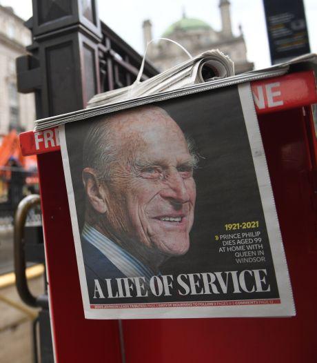 """La presse britannique rend hommage à """"l'indomptable"""" prince Philip"""