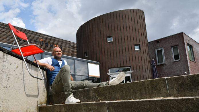 Frank Droste gaat niet akkoord met een drie sterren Kulturhus, maar houdt vast aan de veelheid aan functies en activiteiten.
