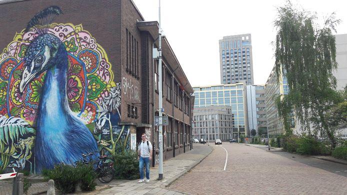 Het TAC-gebouw met de vleugel aan de Gagelstraat in Eindhoven. Dit deel wordt gesloopt.