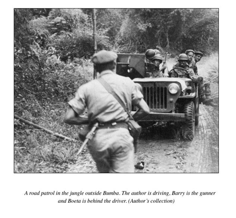Ivan Smith aan het stuur van een jeep. 'De meeste soldaten namen hun toevlucht tot alcohol en drugs. Zo verloren we meer mannen dan aan de vijand.' Beeld