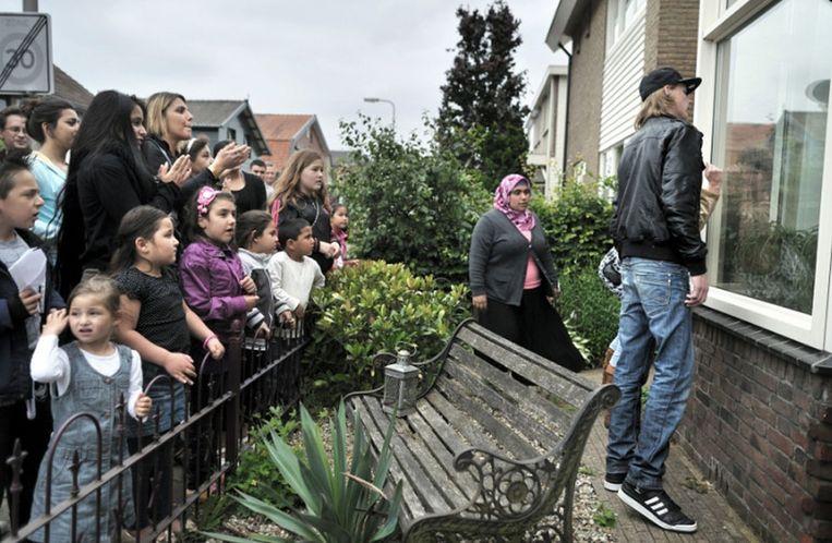 Deze foto geeft een glashelder beeld van Nederland anno 2011: een multiculturele samenleving waarin ongeduld, agressie en de neiging om het recht in eigen hand te nemen de overhand lijken te krijgen, aldus de jury van de Zilveren Camera. © Joost van den Broek / de Volkskrant Beeld