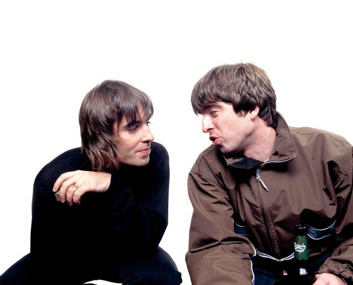 Liam and Noel Gallagher ten tijde van Oasis. De broers liggen al een tijdje met elkaar in de clinch en de nieuwe film van Liam zal daar vermoedelijk geen verandering in brengen.
