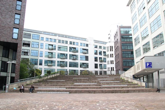 Het Lichtplein met tribune in de Eindhovense binnenstad wordt negen zomeravonden ingericht als openluchtbioscoop.
