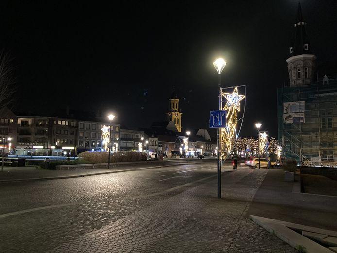 De kerstverlichting brandt ook in Lokeren dit jaar vroeger.