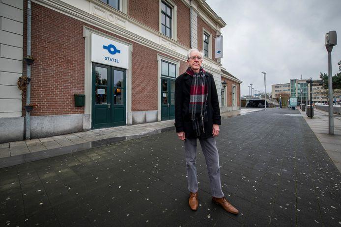 De deur van Statie blijft ook na de lockdown dicht. Ben Mouw is een van de mensen die zich daar over verbazen. In elk geval moet het monumentale stationsgebouw niet leeg komen te staan, vindt hij.
